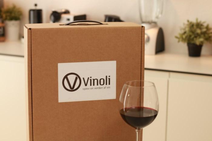 Firmagave med vin fra vinoli.dk